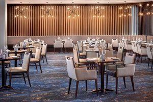 Restaurant - Westin Hotel Calgary Airport