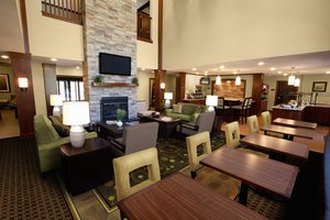 Lobby - Staybridge Suites Commerce Drive Northwest Rochester