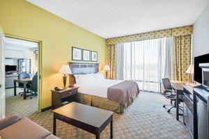Suite - Holiday Inn Tanglewood Roanoke