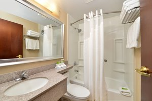 Room - Holiday Inn Express Queens JFK Airport Jamaica
