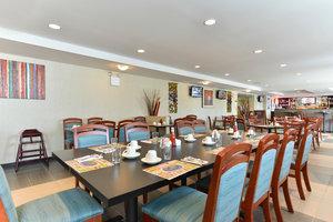 Restaurant - Holiday Inn JFK Airport Rosedale Queens