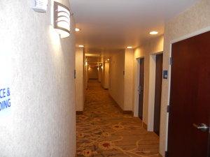 Lobby - Holiday Inn Express Hotel & Suites Hazard