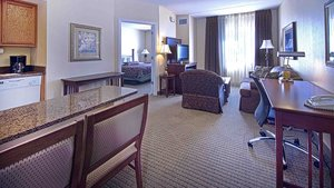 Room - Staybridge Suites Chattanooga