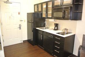 Room - Candlewood Suites Fairfax