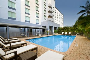 Pool - Holiday Inn Airport Doral