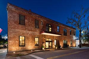Exterior view - Staybridge Suites Historic District Savannah