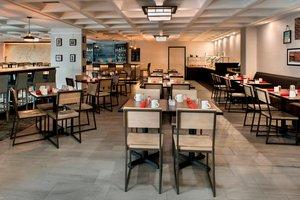 Restaurant - Four Points by Sheraton Hotel Northeast Philadelphia