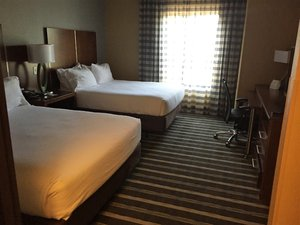 Room - Holiday Inn Express Perry