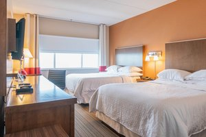 Room - Four Points by Sheraton Hotel Winnipeg Airport
