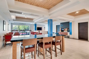 Restaurant - Holiday Inn Express Hotel & Suites Lake Elsinore