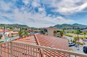 Room - Holiday Inn Express Hotel & Suites Lake Elsinore