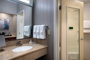 Room - Courtyard by Marriott Hotel Stoughton