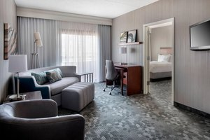Suite - Courtyard by Marriott Hotel Stoughton