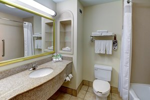 - Holiday Inn Express Hotel & Suites San Angelo