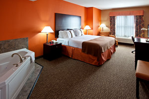 Suite - Holiday Inn Airport South Louisville