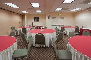 Ballroom - Holiday Inn Express Hotel & Suites Tracy