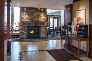 Lobby - Staybridge Suites Harrisburg