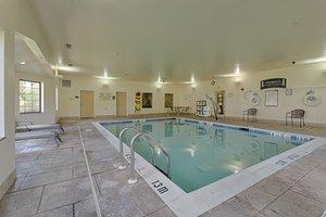 Pool - Staybridge Suites Harrisburg