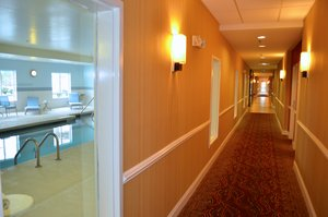 Lobby - Holiday Inn Express Hotel & Suites Smithfield