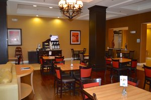 Restaurant - Holiday Inn Express Hotel & Suites Smithfield