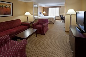 Suite - Holiday Inn Orangeburg