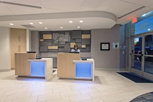 Lobby - Holiday Inn Express Los Angeles
