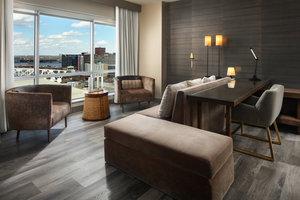 Suite - Marriott Hotel Downtown Louisville