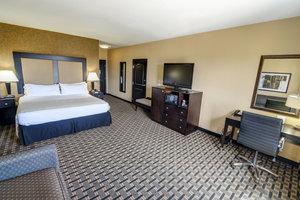 Room - Holiday Inn Northeast Arlington