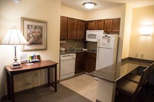Room - Staybridge Suites Fort Wayne