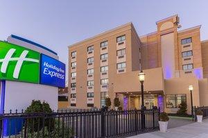Exterior view - Holiday Inn Express La Guardia Arpt Flushing