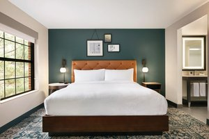 Room - Four Points by Sheraton Hotel Raleigh Arena