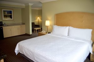 Suite - Holiday Inn Express Hotel & Suites Vacaville