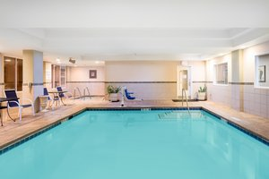 Pool - Holiday Inn Express Hotel & Suites Vacaville