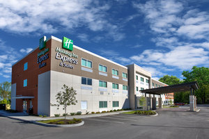 Exterior view - Holiday Inn Express Hotel & Suites New Castle