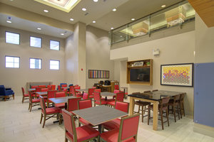 Restaurant - Holiday Inn Express Hotel & Suites Mankato