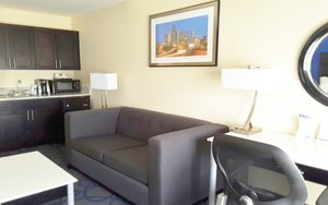 Suite - Holiday Inn Express Hotel & Suites Lawrenceville
