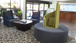Lobby - Holiday Inn Express Hotel & Suites Lawrenceville