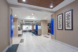 Lobby - Holiday Inn Express Hotel & Suites East Ridge