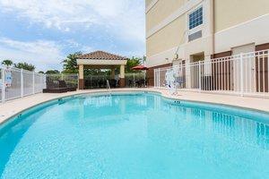 Pool - Candlewood Suites Miramar Beach