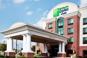 Exterior view - Holiday Inn Express Hotel & Suites Newark