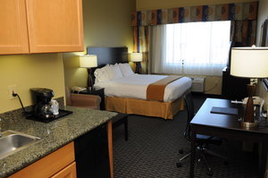 Suite - Holiday Inn Express Hotel & Suites Southeast Phoenix