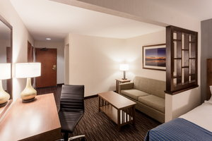 Room - Holiday Inn Express Carpinteria