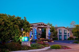 Exterior view - Holiday Inn Express Carpinteria