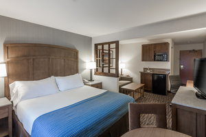 Suite - Holiday Inn Express Carpinteria