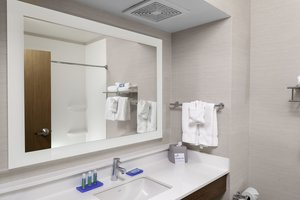 - Holiday Inn Express Hotel & Suites Coeur d'Alene