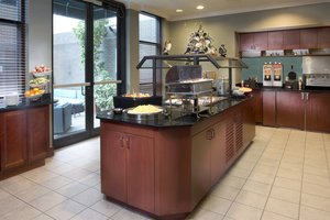 Restaurant - Staybridge Suites New Orleans