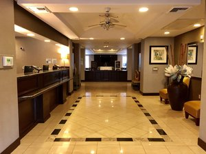 Lobby - Holiday Inn Express Hotel & Suites Vacaville