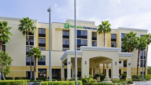 Exterior view - Holiday Inn Express Hotel & Suites Miami