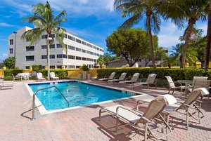 Pool - Holiday Inn Express Hotel & Suites Miami