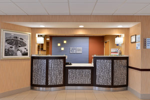 Lobby - Holiday Inn Express Hotel & Suites Sharonville